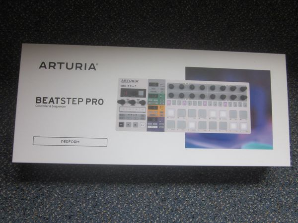 Arturia Beatstep Pro *nagelneu! * (Midi Controller & Step-Sequenzer)