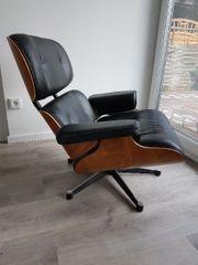 Lounge Sessel mit Hocker