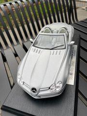 Mercedes Benz Modellauto im Maßstab