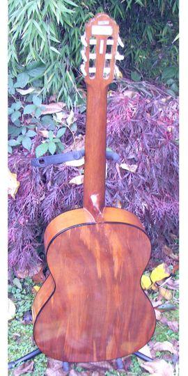 Schöne Konzertgitarre klassische Nylonsaiten Gitarre: Kleinanzeigen aus Schotten - Rubrik Gitarren/-zubehör