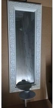 Spiegel mit Holzrahmen und Kerzenhalter