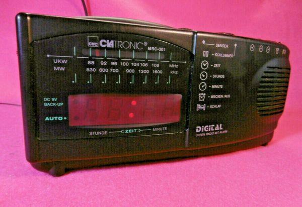 Clatronic MRC 301 Radiowecker / Weckradio AM / FM Nachtlicht Schlummerfunktion