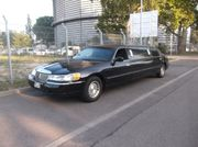 Ford Lincoln Town Car Limo
