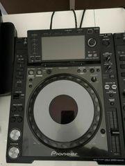 DJ Pioneer 3x CDJ 2000