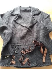 Kurze Strickjacke von Jones