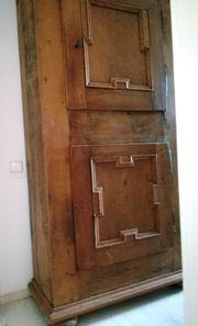 Eichenschrank - ca 18 Jahrhundert - Vollholz -