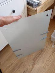 Milchglas- Glastafel mit 4 Metallklipps