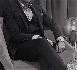 Master und eleganter Gentleman- ortsunabhängig, sucht SUB - Sklavin der Lust
