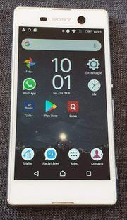 Smartphone Sony E5603 LTE Dual-SIM