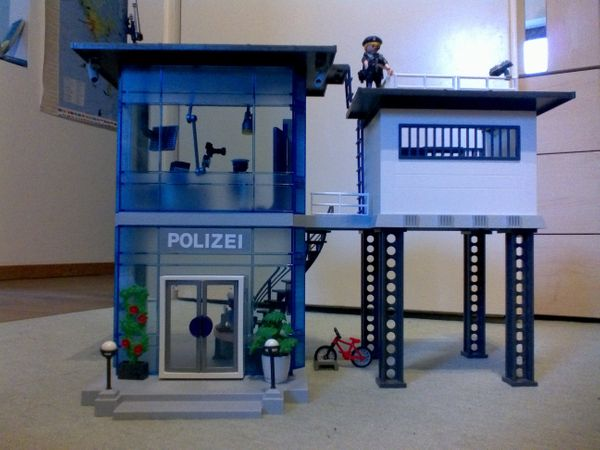 Playmobil 5176 Polizei Kommandostation mit