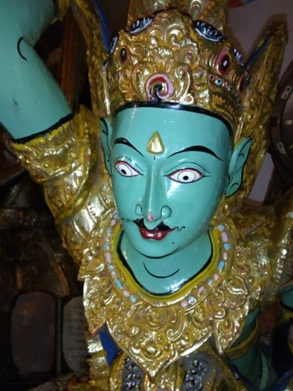 antike Garuda Statue Blattgold 300
