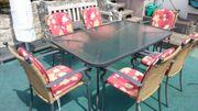 Gartentisch und 6 Sessel