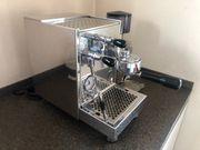 Siebträger Espressomaschine mit Kaffeemühle