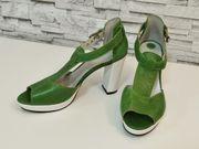 NEU Weiß-grüne Blockabsatz Sandalen