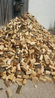 Ofenfertiges Brennholz Kaminholz Feuerholz
