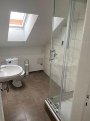 1 Zimmer DG-Wohnung inklusive Bad