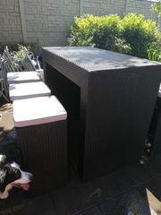 Neuwertiges Gartenbar-Set grau aus Polyrattan