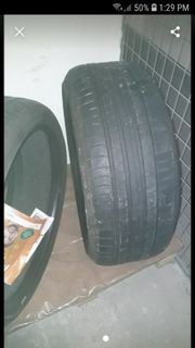 Zwei Reifen 245 35 R