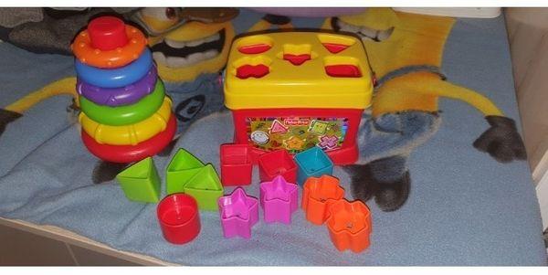 fisher Price Farbringpyramide und Steckspielzeug