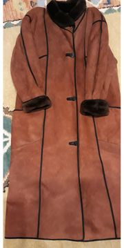 Damen-Ledermantel für den Winter