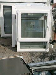 Neues Fenster mit Rollo und