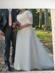 Traumhaftes Brautkleid Übergröße 50