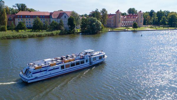 Tagesauflug mit Schiff und Kremser