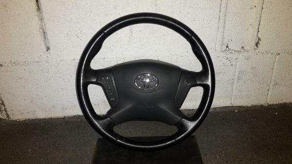 Lenkrad Toyota Avensis T25