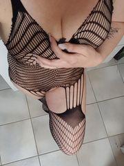 Erotische Einblicke sexy Lucy per