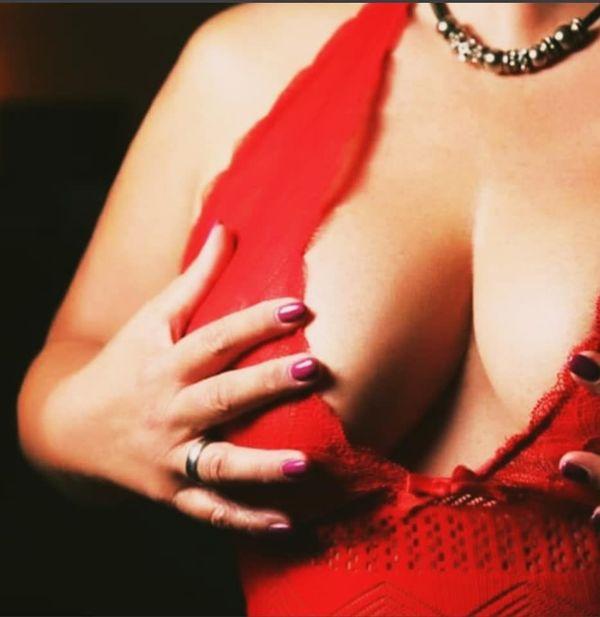 Erotische Body to Bodymassage und