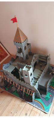 Ritterburg aus Holz