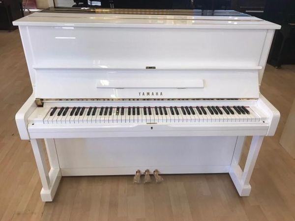 Yamaha Klavier U 1 weiß