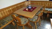Tisch Eckbank und Stühle