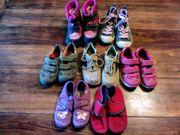 Schuhe Winterstiefel Halbschuhe Turnschuhe Hausschuhe