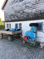 Heugebläse und Traktoranhänger