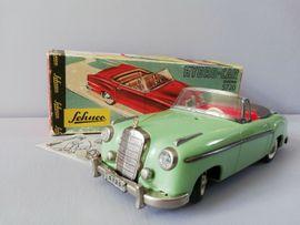 Modellautos - SCHUCO 5720 MERCEDES 220S 1962-1965