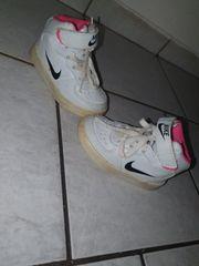Mädchen Nike Schuhe gr 20