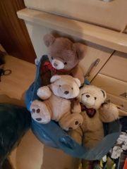 4 grosse Tüten mit Teddys
