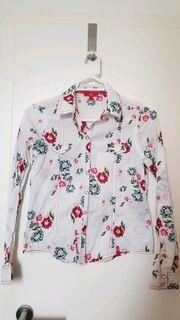 Weiße Bluse mit Blumenprint von