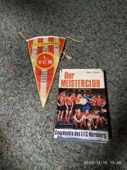 alte Fanartikel Wimpel und Buch
