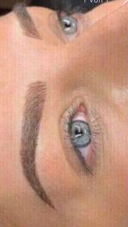 Microblading Augenbrauen Verdichtung