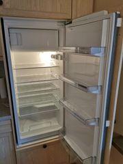 Einbau-Kühlschrank mit Gefrierfach