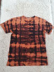 T-Shirt s gebatikt