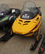 Ski-Doo MXZ 583 Motorschlitten Skidoo