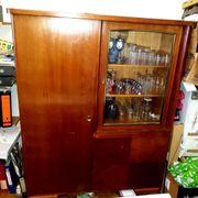 alter Hausbar-Schrank