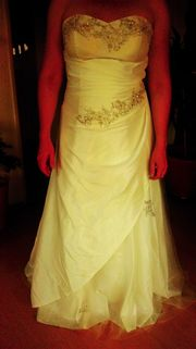 Hochzeitskleid mit Fellbolero Gr 38