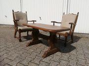 Exklusive Polster-Tisch- Sitzgarnitur im klassischen
