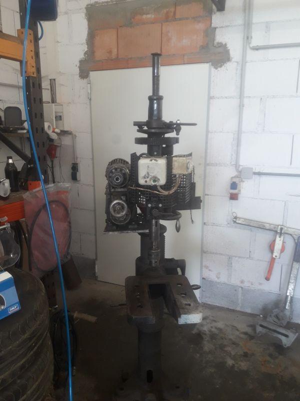 Alte Stenderbohrmaschine
