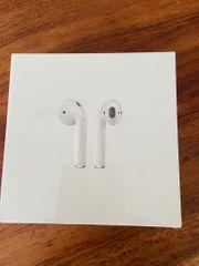 Apple AirPods 2nd Generation mit
