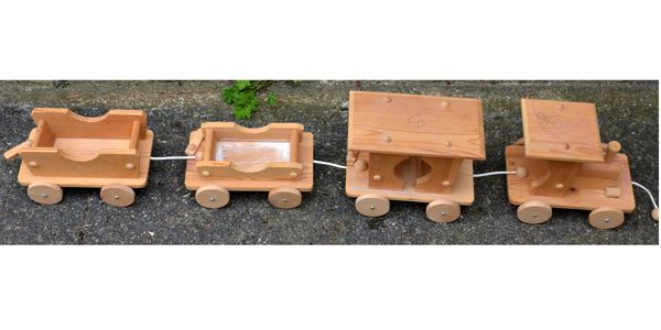 Holz-Eisenbahn ca 1 16 cm